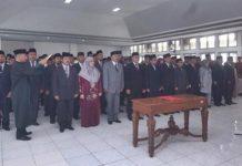 Wali Kota Padang Panjang, Fadly Amran melantik dan mengambil sumpah jabatan 125 pejabat di lingkungan Pemerintah Kota Padang Panjang, Kamis (02/01/2020).