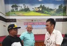 Direktur UKW Dewan Pers Prof.Dr.Rajab Ritonga bersama Kabag Humas Pemko Padang Amrizal Rengganis, pada saat UKW di Padang, Sabtu (25/01/2020).