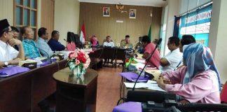 Komisi Penyiaran Indonesia Daerah (KPID) Provinsi Sumatera Barat menggelar Focus Group Discussion bersama pimpinan ormas dan media, Senin (30/12/2019).