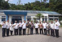 Ketua Komisi IV DPRD Sumbar, Muhammad Iqbal, SE, dan anggota komisi IV foto bersama Wakil Walikota, Sekdako, dan sejumlah pimpinan OPD dalam kunker ke Kota Padang Panjang, Rabu (5/2/2020).