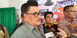 Azwar Siri, Ketua Komisi IV DPRD Padang