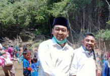 Foto : Cawagub Sumatera Barat Audy Joinaldy Bersama Cabup Pasaman Barat Eric Haryona saat Menghadiri Acara Pembukaan Ikan Larangan