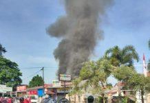Kebakaran hebat di Kota Padang menghanguskan 5 unit rumah dan menghanguskan 1 sepeda motor.